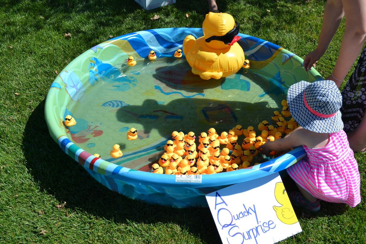 Carnival games to win quacktastic prizes!